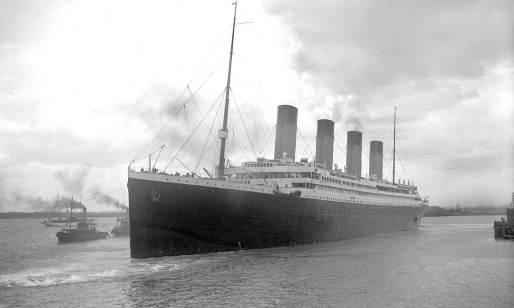 black an white image of Titanic